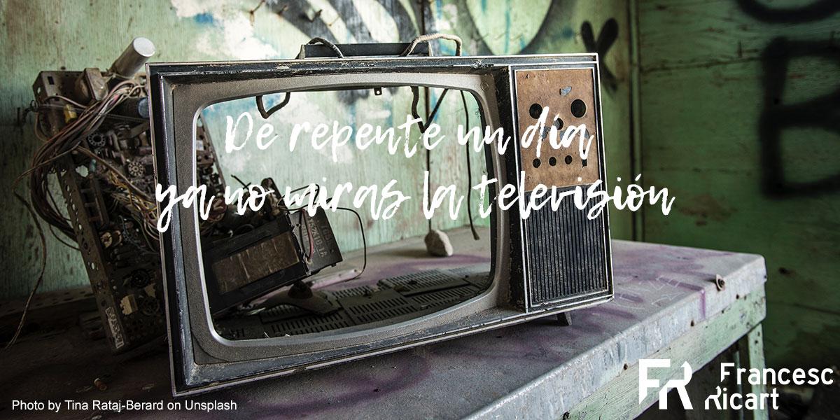 televisión antigua rota