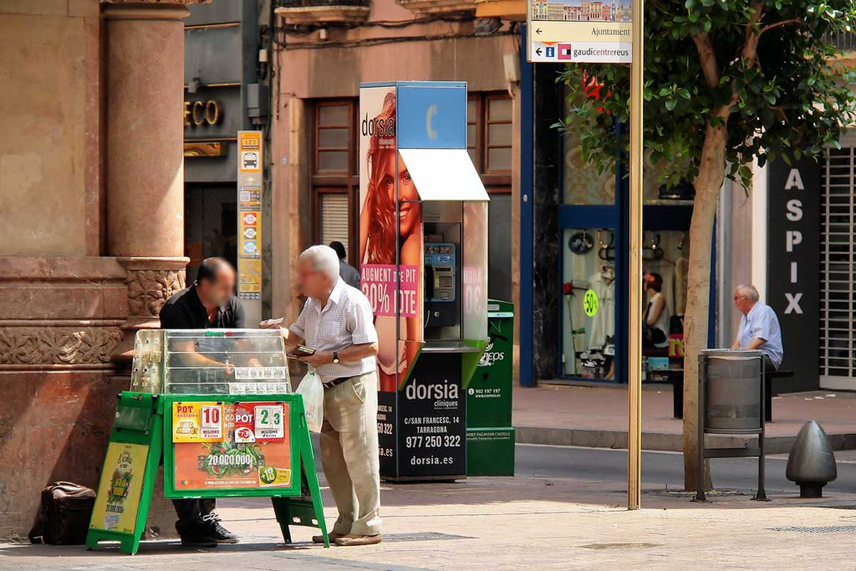 vendedor de lotería en el Raval. Fuente: flickr