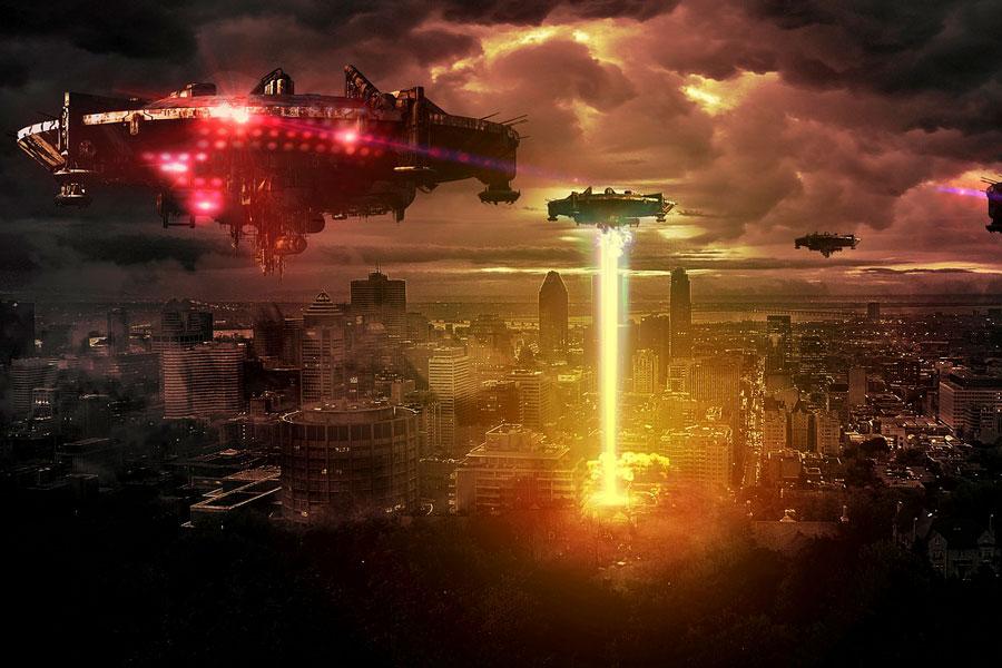 marcianos sobrevolando una ciudad con sus naves