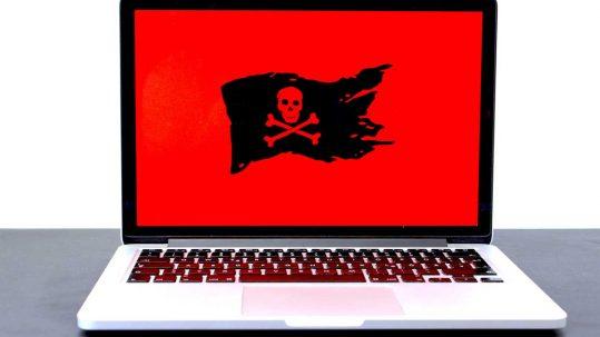 bandera pirata en un ordenador
