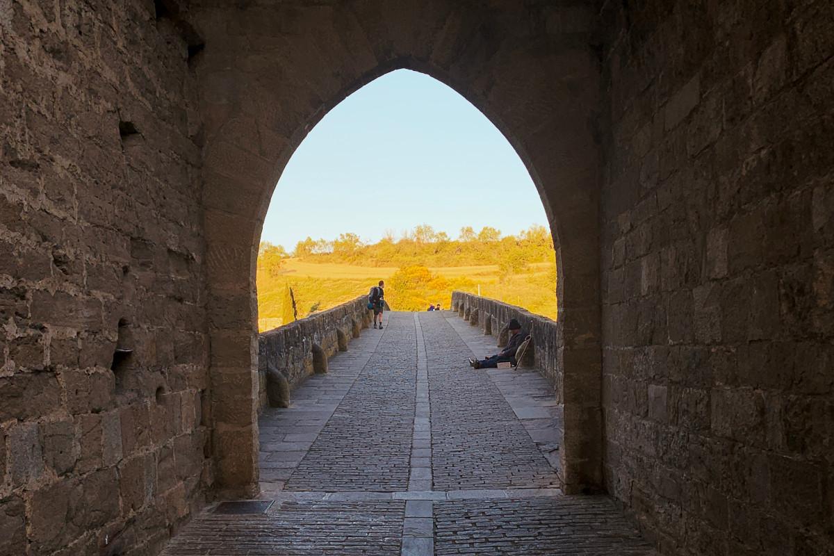puerta de un castillo para carruajes