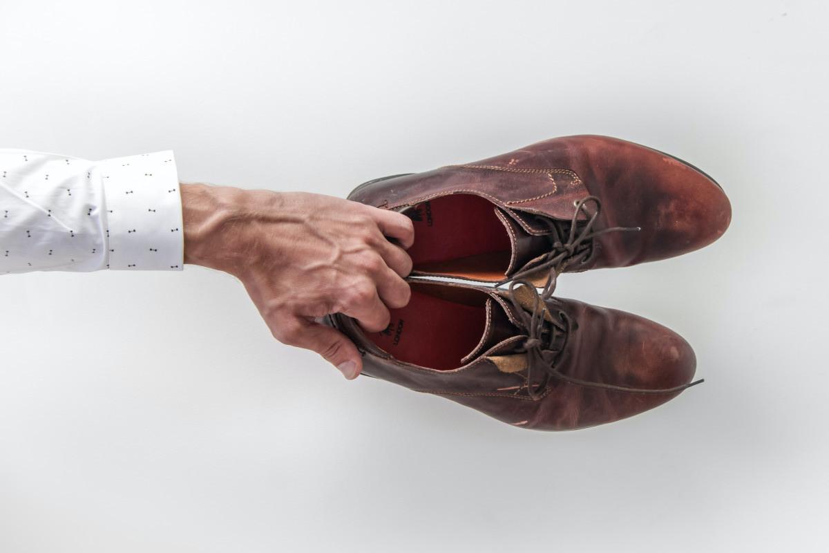 Atémonos bien los cordones de los zapatos 1